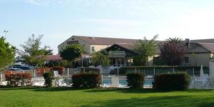 Hôtel*** Le Pavillon à Villeneuve-les-Béziers a participé à la mission humanitaire et solidaire .(® site hôtel le pavillon)