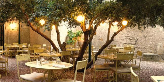 Le restaurant Le Patio Béziers ouvre son patio ombragé dès le 19 mai.(® le patio)
