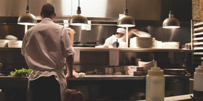 Offre d'emploi Béziers : le restaurant L'Ambassade recrute un(e) chef de partie et un(e) commis de cuisine