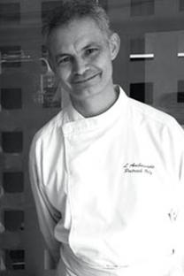M.Patrick Olry est Président de l'association des Tables Gourmandes du Languedoc et de l'UMIH Béziers.