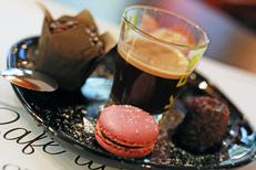Café des arts Béziers est une brasserie en centre-ville. Ici un café gourmand ( ® SAAM-fabrice Chort)
