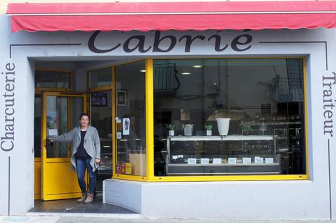 Charcuterie Cabrié à Hérépian vend des produits artisanaux, faits maisons et des plats à emporter ( ® asso UCH)