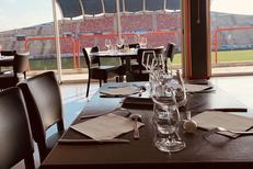 Côté Vestiaire Béziers est une brasserie qui vous reçoit dans le stade de Rugby !