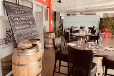 Côté Vestiaire Béziers est une brasserie-restaurant au 1er étage du stade de Rugby