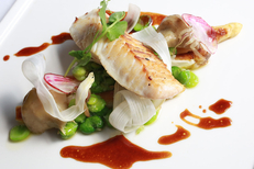Restaurant gastronomique Béziers : L'Ambassade propose une carte et des menus avec des plats soignés et faits maison (® SAAM-fabrice Chort)