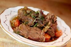 La Marjolaine Béziers est un restaurant fait maison qui propose des plats traditionnels face aux Arènes. Ici un pot au feu (® SAAM-fabrice Chort)