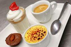 Salon de thé Béziers Le Mathi's propose une cuisine fait maison. Ici un café gourmand avec des desserts maison.(® SAAM-fabrice Chort)